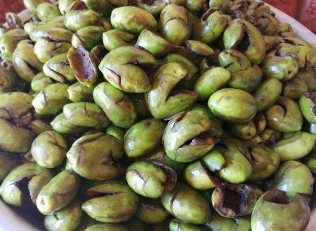 Le olive schiacciate, un tesoro per i palati.