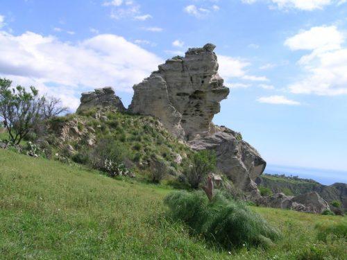 Domenica 1 Marzo alla scoperta della Rocca di Varva