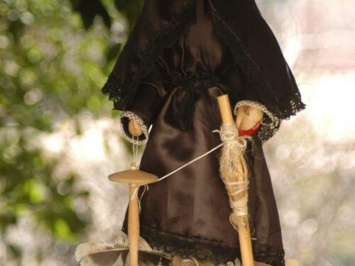 Tradizioni; Corajisima la pupa segnatempo dalle origini remote
