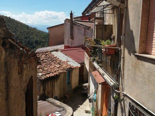 Il borgo Medievale di San Giorgio Morgeto; nel mito, nella storia e nella bellezza